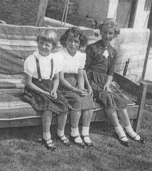 Mary, Susie (Bob's Daughter) and Diane